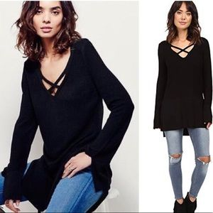 Free People | black criss cross knit tunic size L